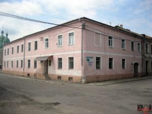 Сучасний будинок центральної районної бібліотеки